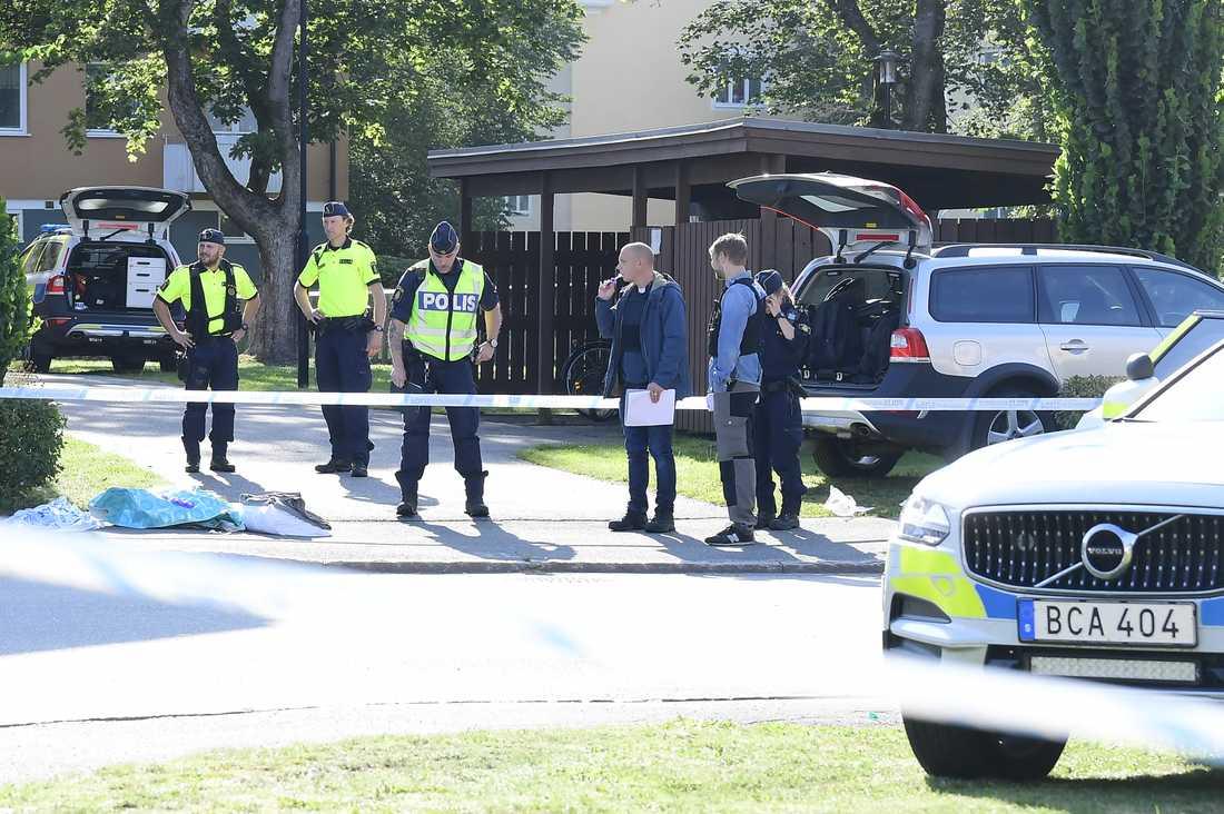 Poliser på plats i Eksjö.