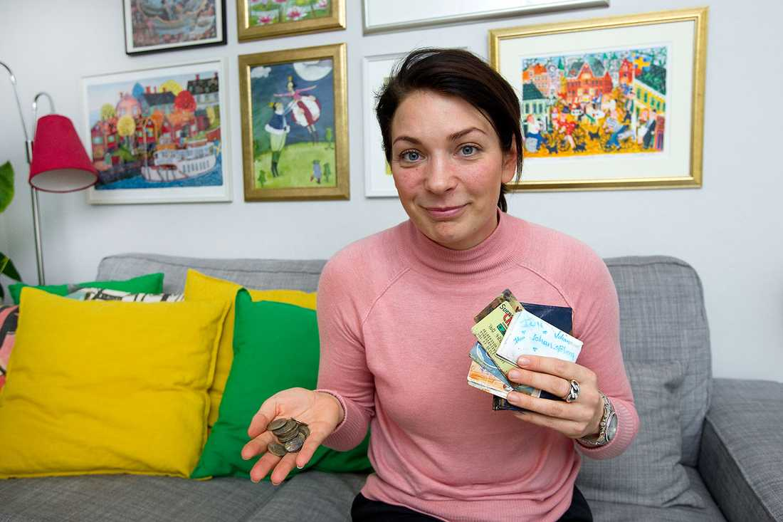 """Nina med den upphittade plånboken: """"Jag skrek rakt ut när jag såg plånboken. Det var jättekul""""."""