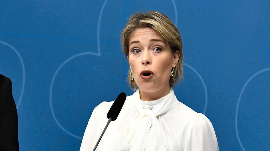 Annika Strandhäll säger att det plötsliga avskedet av Försäkringskassans generaldirektör föregicks av flera varningar. Arkivbild.