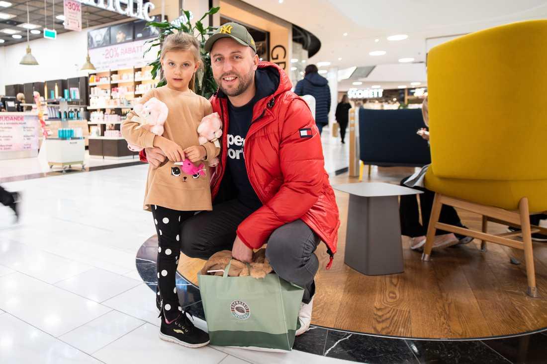 Dalia och Armin Zetterberg på Mall of Scandinavia.