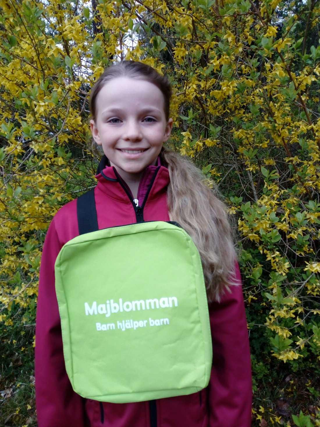 Eira Kousted, 10, skänker även en del av sin förtjänst till välgörenhet.