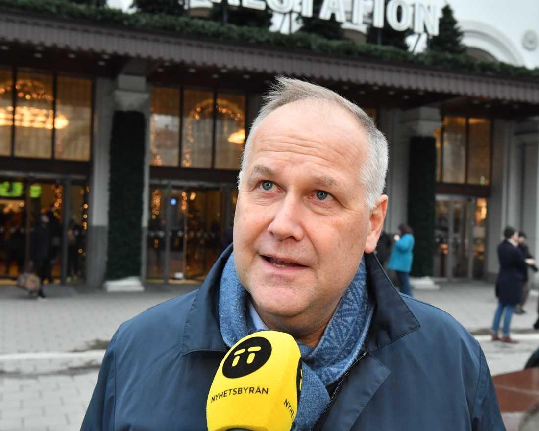 Vänsterpartiets ledare Jonas Sjöstedt sitter kvar längre än han tänkt. Arkivbild.