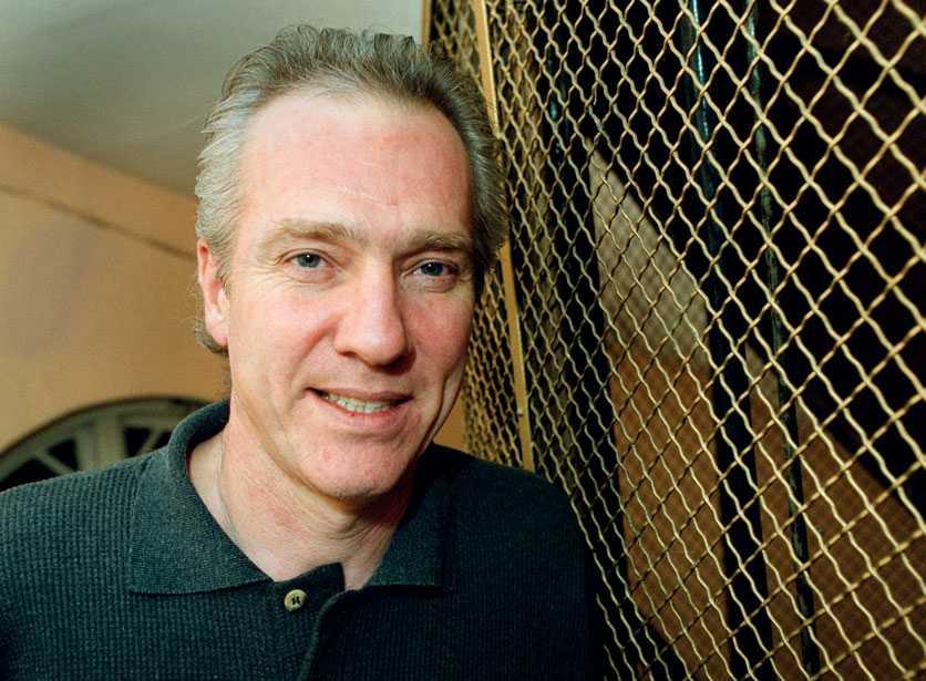 2001 fick Hannes Råstam Lars Johan Hiertas stipendium på 50 000 kronor för att undersöka romernas situation i Europa.