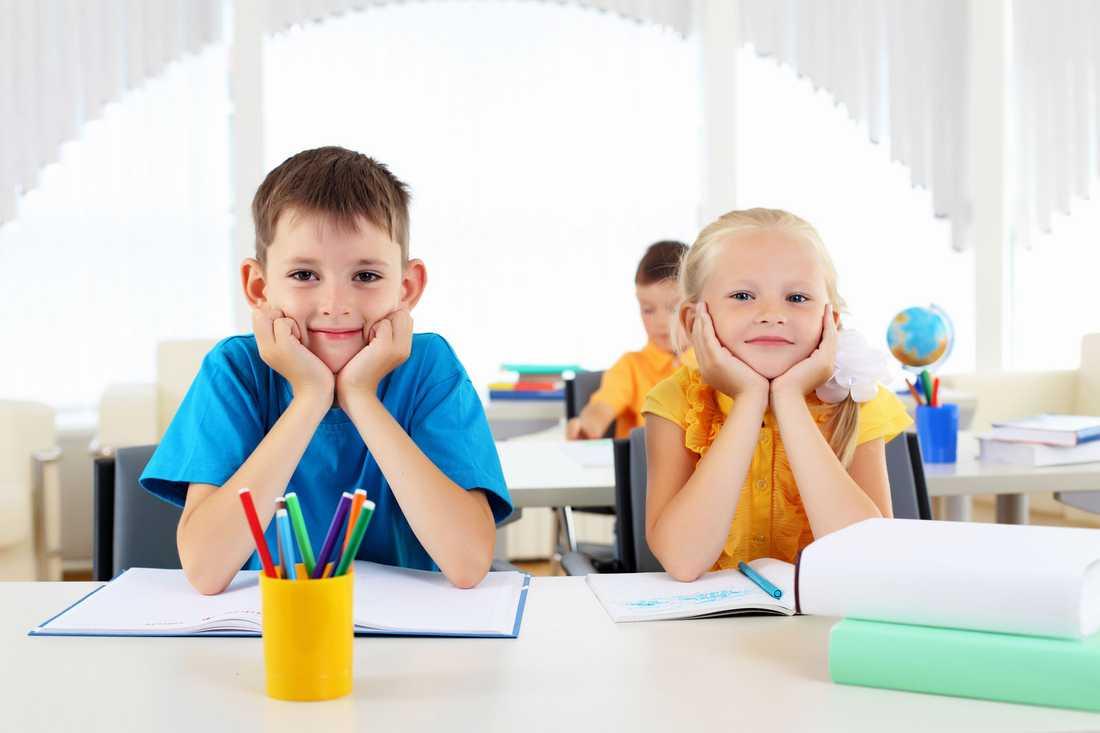 """""""I tidigare studier som har gjorts inom skolan visar att elever som berömdes för att de hade varit duktiga inte presterade vidare, medan elever som fick höra att du jobbat på bra fortsatte att jobba vidare, säger barnpsykologen Majlis Winberg Salomonsson."""