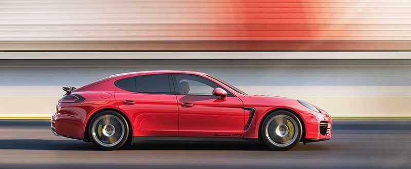 Nuvarande och utskällda Porsche Panamera.