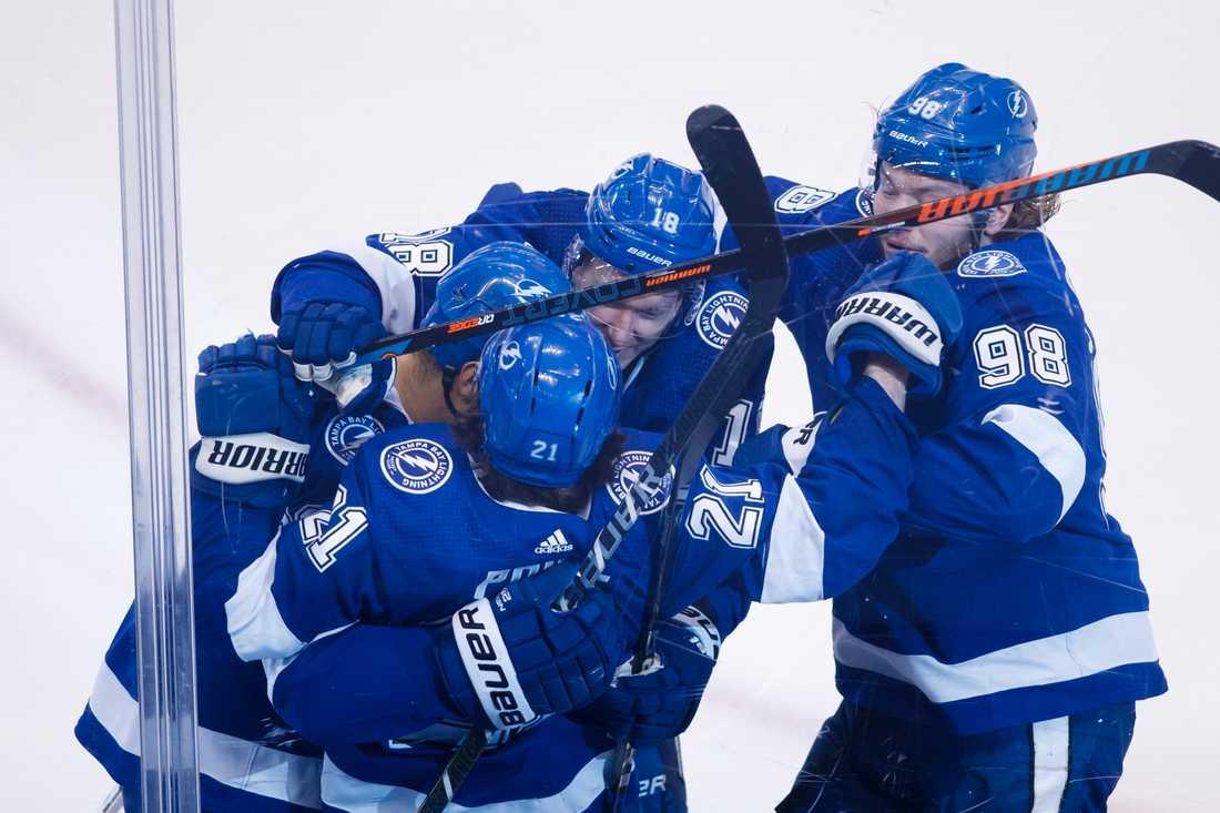 Tampa Bay har jagat bort sina demoner – och slagit ut Columbus ur NHL-slutspelet.