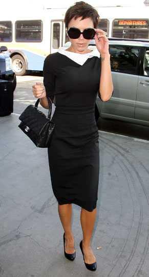 """Victoria """"Posh"""" Beckham har både hånats och hyllats för sin stil. Hon är en av få som vågar ta chanser när det gäller kläderna hon bär och hennes vänskap med Marc Jacobs har påverkat hennes stil stort. Ibland blir det extrema stilar, ibland sobert. Posh blandar och ger, och skapar rubriker."""