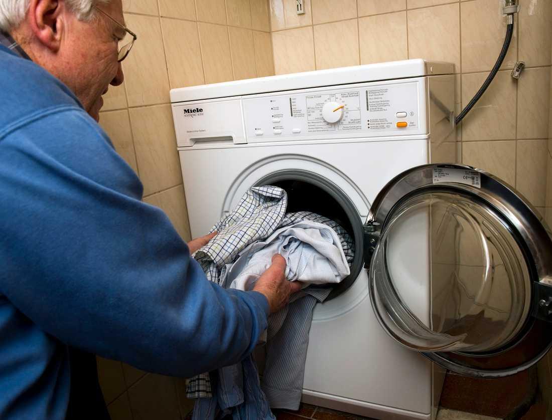 Tvätta allt som är besmittat, varmt, och torktumla gärna. Arkivbild.