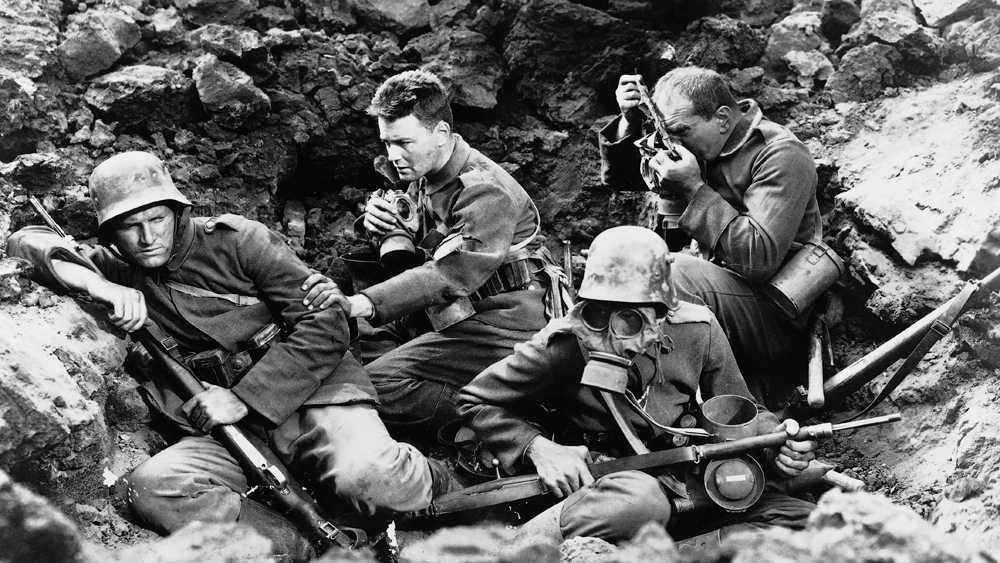 """""""På västfronten intet nytt"""" (1930)."""