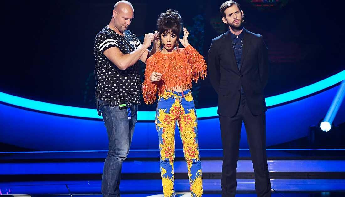 Gina Dirawis outfit den 13 oktober.