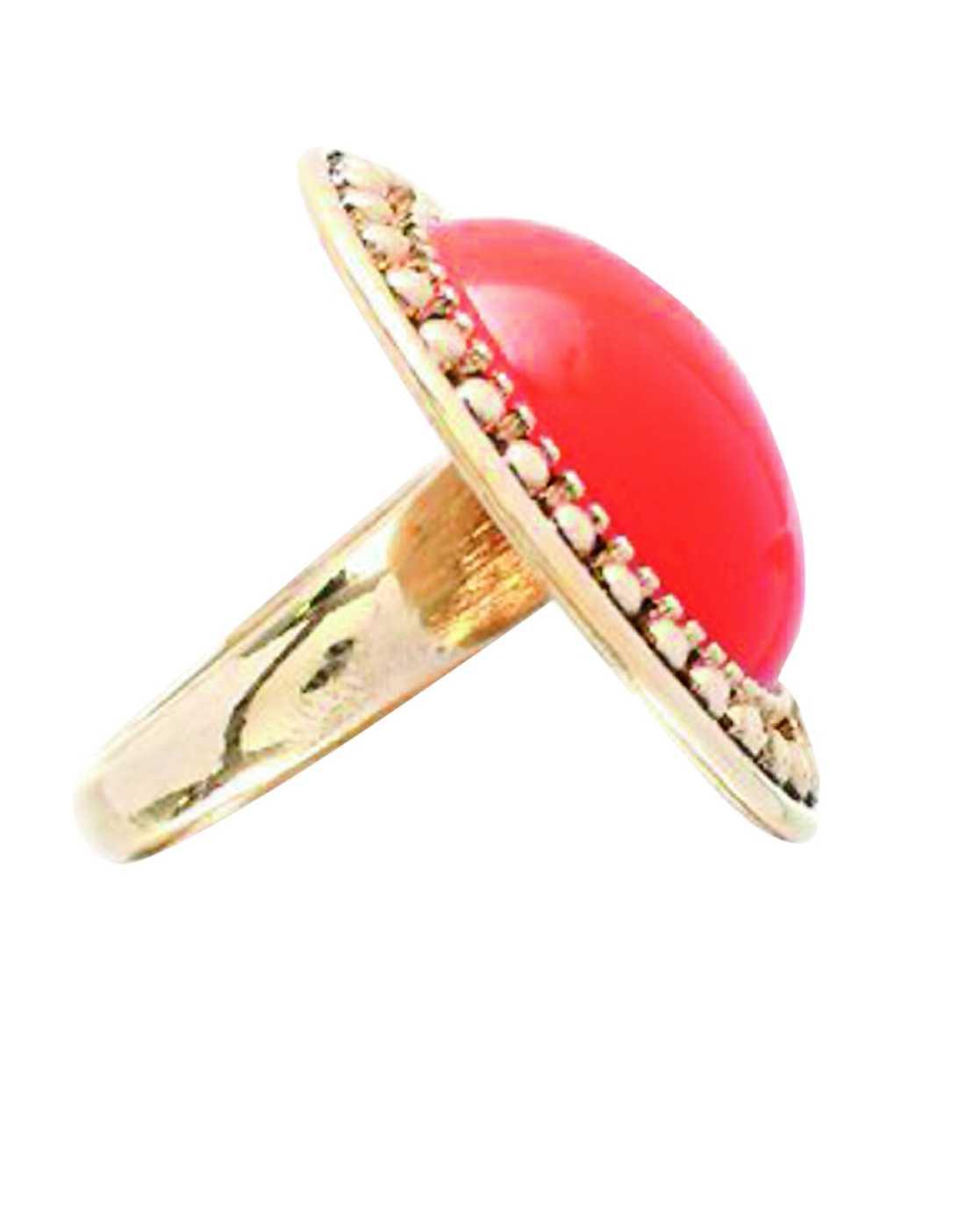 Med stort bling i orange på fingret känns allt mycket roligare. Ring, cirka 70 kronor, www.asos.com
