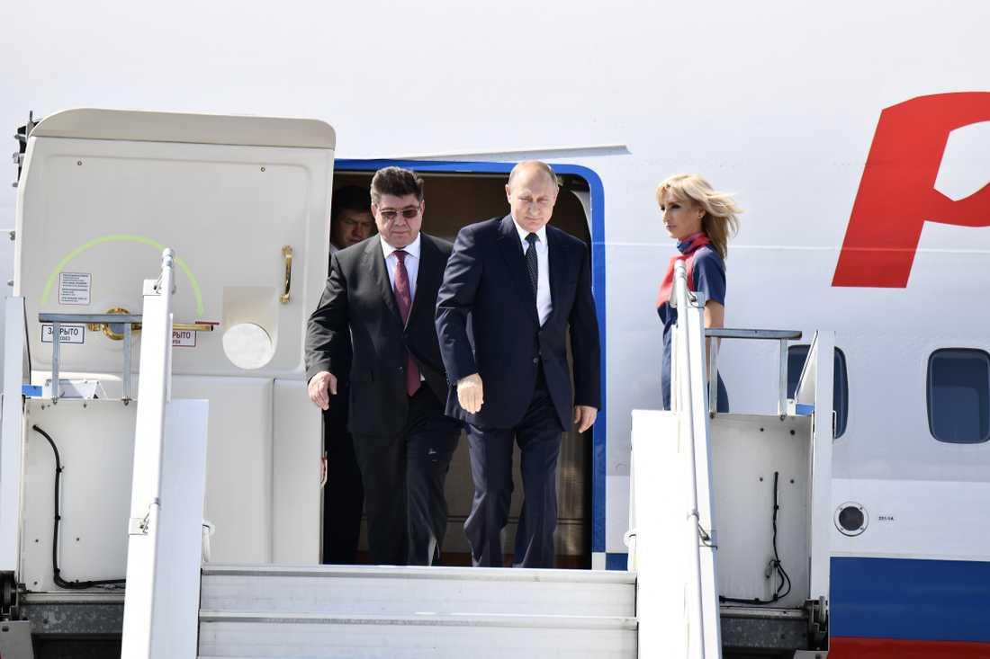 Här landar Putin.