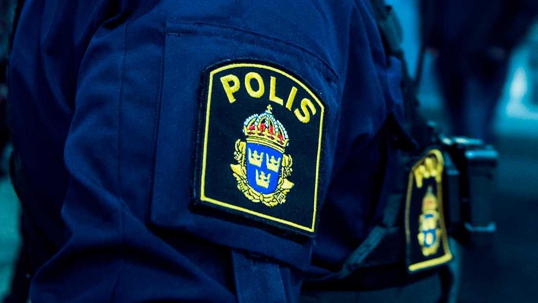 En polisman som sköt en aggressiv person i Eksjö frias från misstanken om grovt tjänstefel. Arkivbild.
