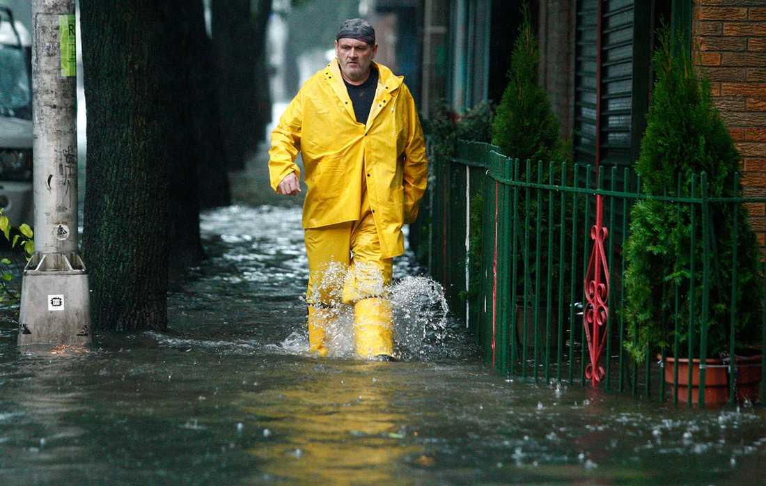 Hoboken, New Jersey: Gatorna är översvämmade – men det finns inget dåligt väder, bara dåliga kläder.