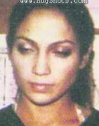 Sångerskan Jennifer Lopez lever i dag ett lugnt småbarnsliv. Men 1999 greps hon och hennes dåvarande pojkvän P. Diddy efter en skottlossning utanför en nattklubb. Polisen hittade senare en pistol i Diddys bil, men Lopez släpptes fri.