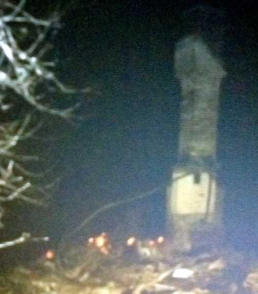 När Aftonbladet anlände var huset helt nerbrunnet. Kvar stod endast skorstenen.