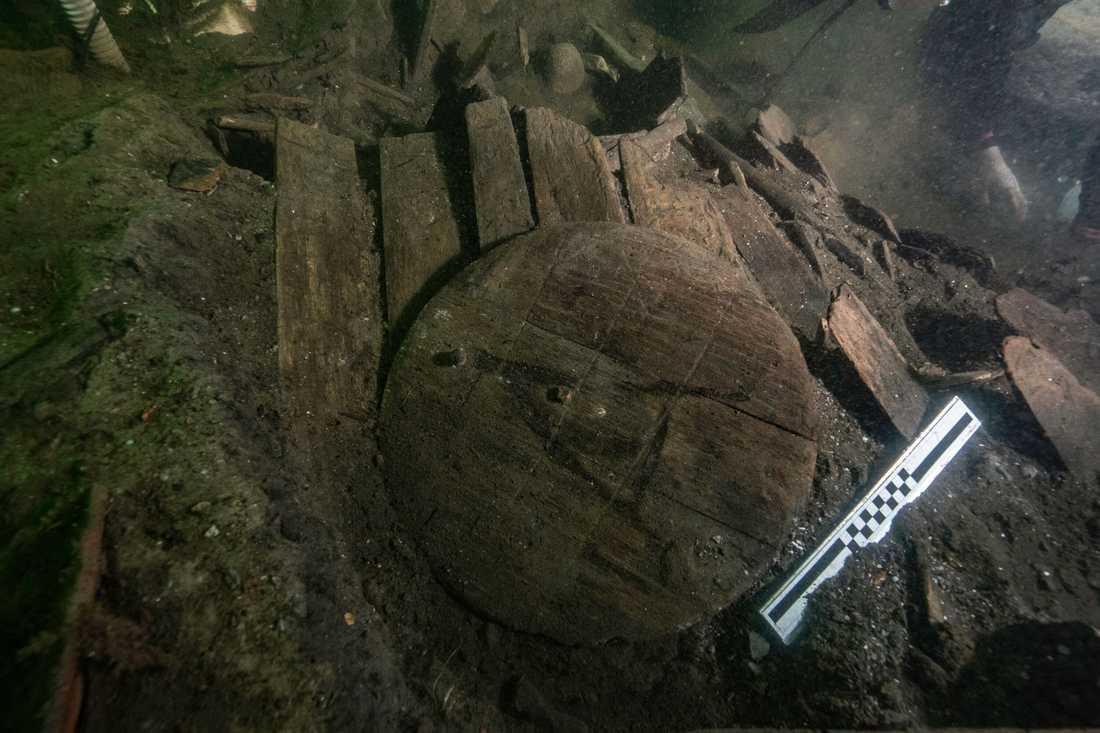 Tunnor som hittats vid utgrävningen vid det danska 1400-talsvraket Gribshunden utanför Ronneby.