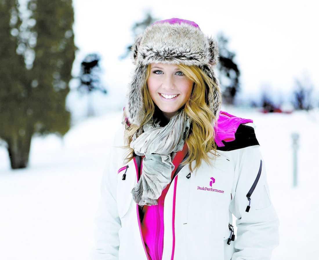 """Molly Sandén, 16, har nått sitt mål – att tävla i Melodifestivalen. """"Det är helt fantastiskt. Jag går runt och ler hela tiden"""", säger hon."""