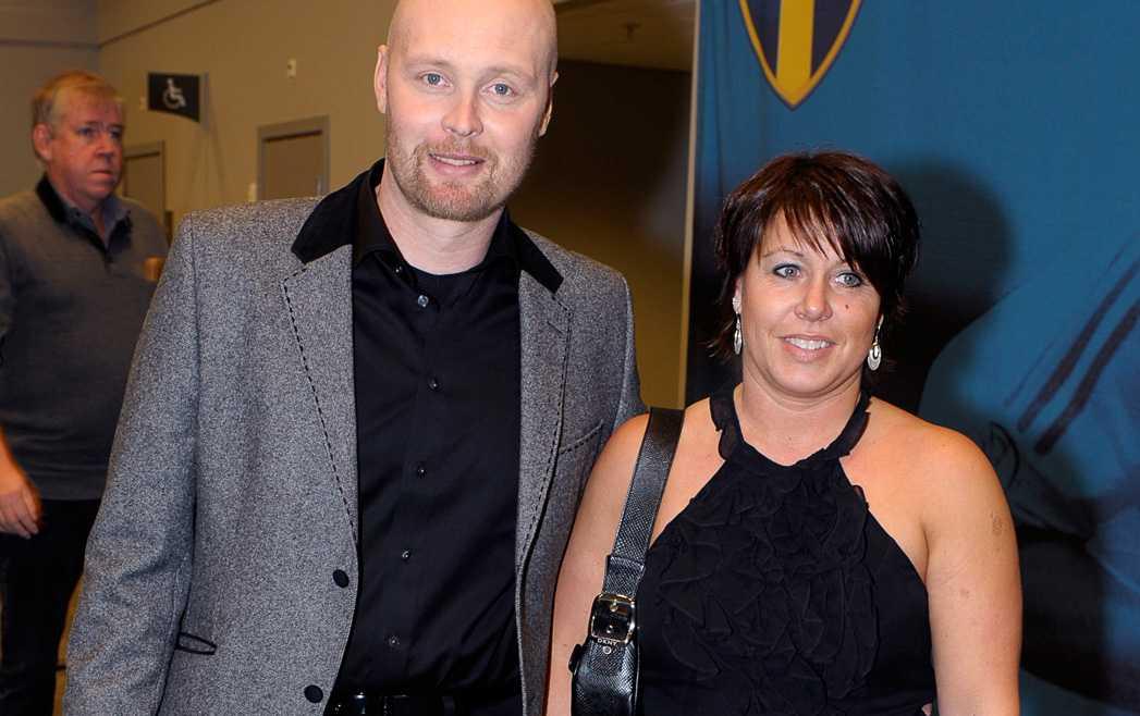 Den här bilden är från Fotbollsgalan 2009 där Ingesson syntes med hustrun Veronica.