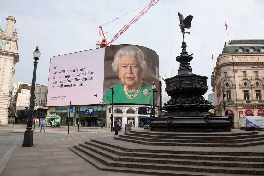 Storbritanniens drottning Elizabeth höll ett tal till nationen.