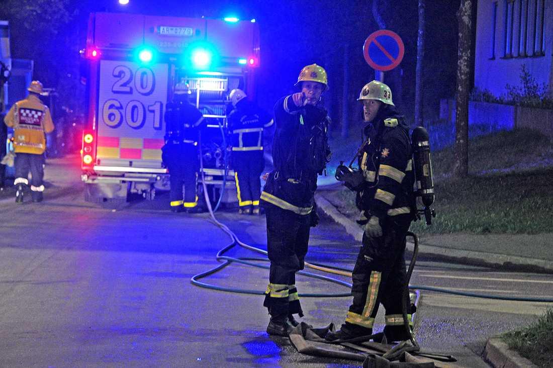 Räddningstjänsten har fått släcka flera bilbränder.