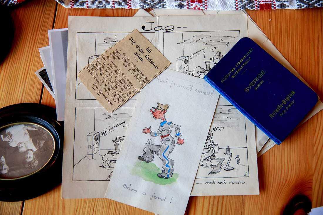 Vi sitter hemma hos Viveka i Arlöv. På bordet framför oss har vi massor med bilder, tidningsurklipp och teckningar. – Han var en fantastisk tecknare.