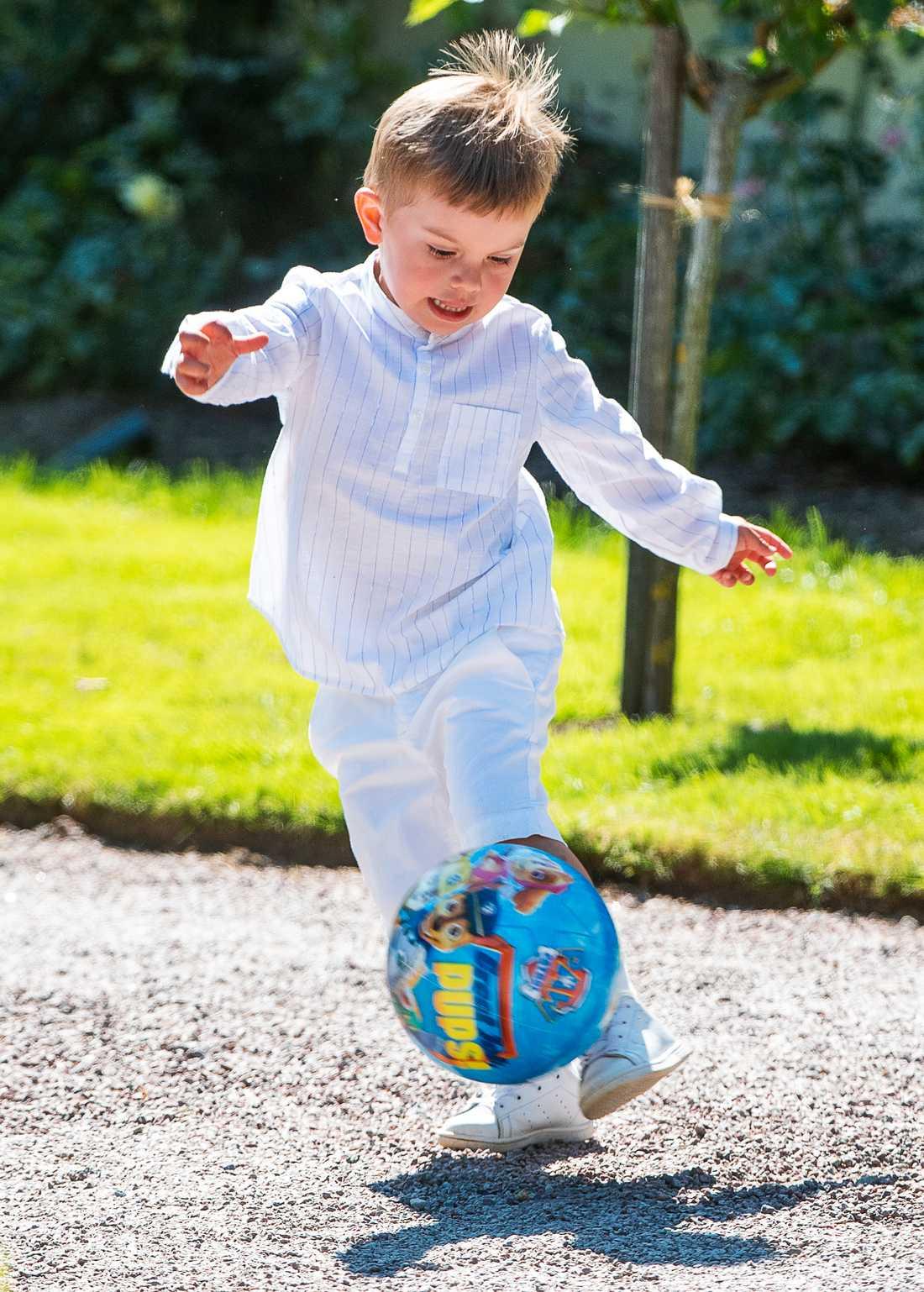 Det blev fotboll på Soliden även i år för lillprinsen.