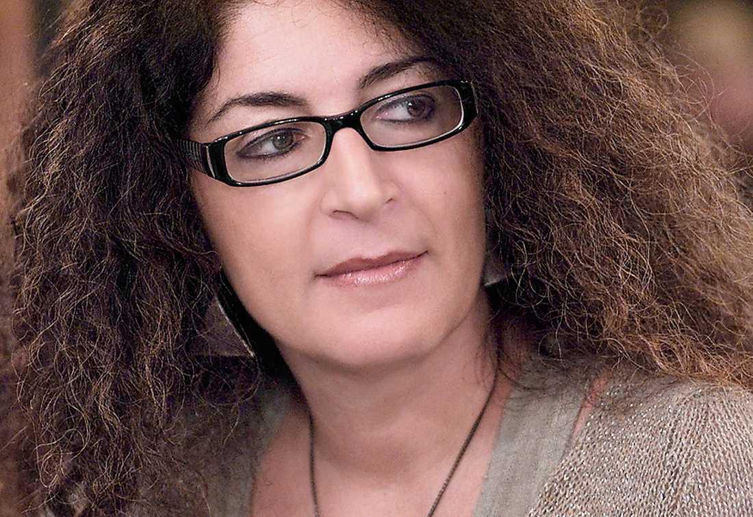 Melania Mazzucco (född 1966) levandegör en kvinnlig FN-soldat.