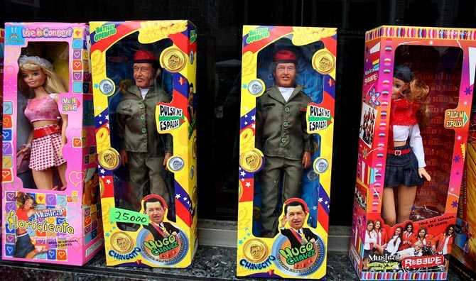 Hugo Chavez finns överallt. Även som barbiedocka.