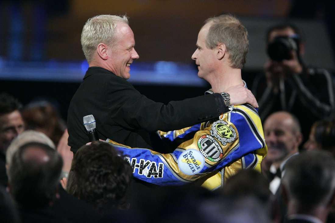 """När Tony Rickardsson 2006 till slut fick ta emot Jerringpriset och utmärkelsen """"årets manlige idrottare"""" innebar det även slutet på Robert Gustafssons imitation av speedwaystjärnan."""