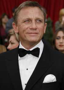 På nya uppdrag Daniel Craig uppges ha tackat ja till att spela James Bond i totalt fem filmer.
