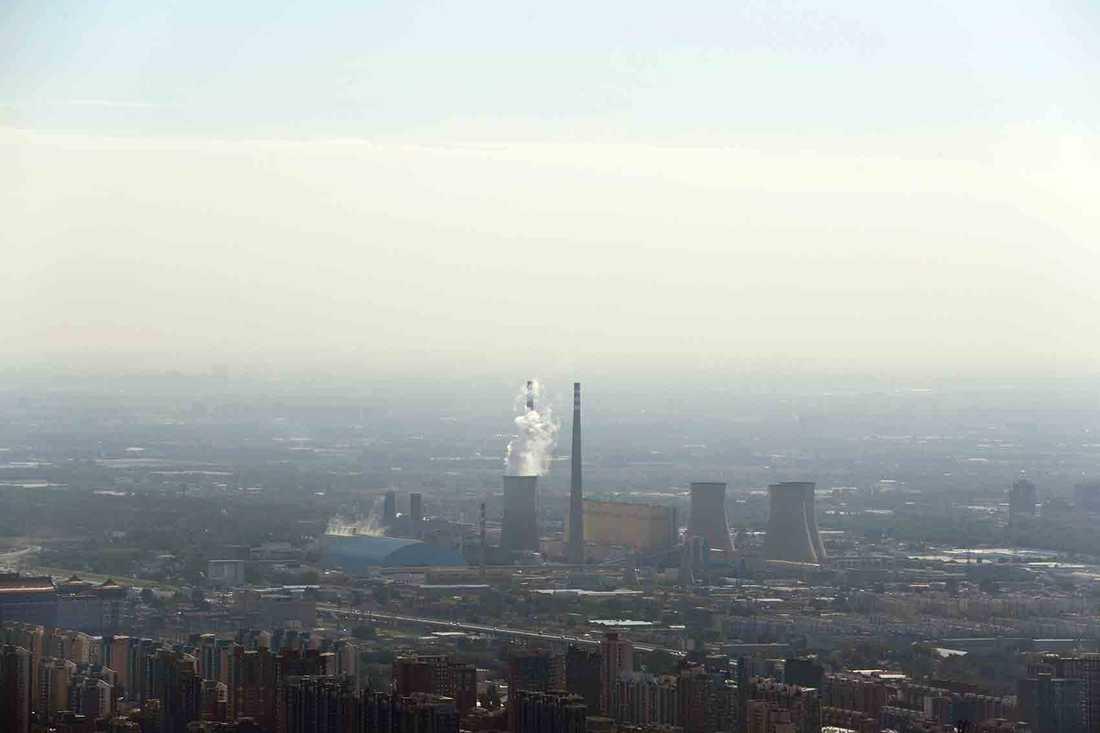Kina och USA godkänner klimatavtalet från Paris.