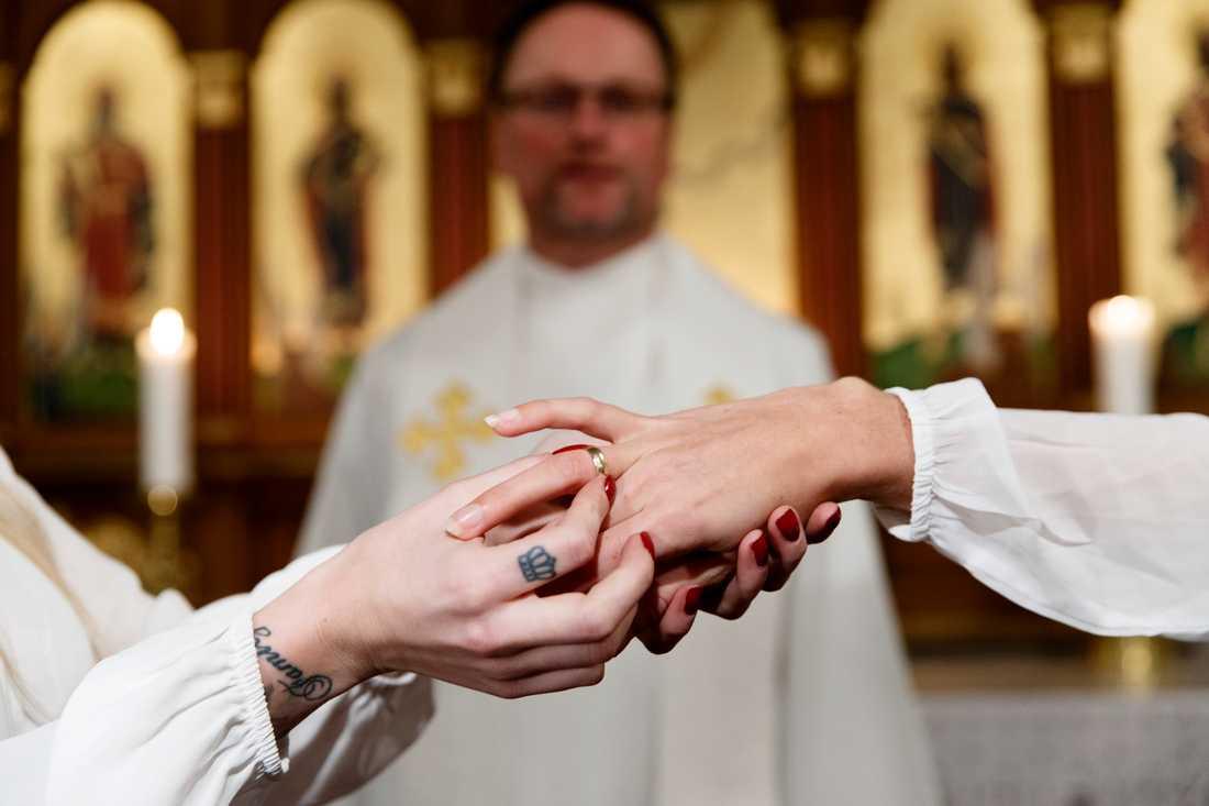 Det blir allt ovanligare att gifta sig bland svenskar. Arkivbild.