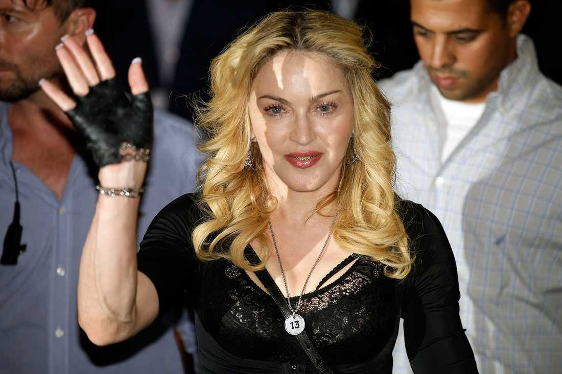 6 Rockbjörnar Madonna har blivit årets kvinnliga artist tre gånger (1989, 1992 och 1998) medan albumen Like a Prayer, Ray of Light och Confessions on a Dance Floor resulterade i årets bästa album.