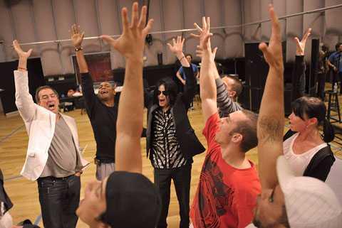 Michael Jackson under en av repetitionerna inför konserterna i London.