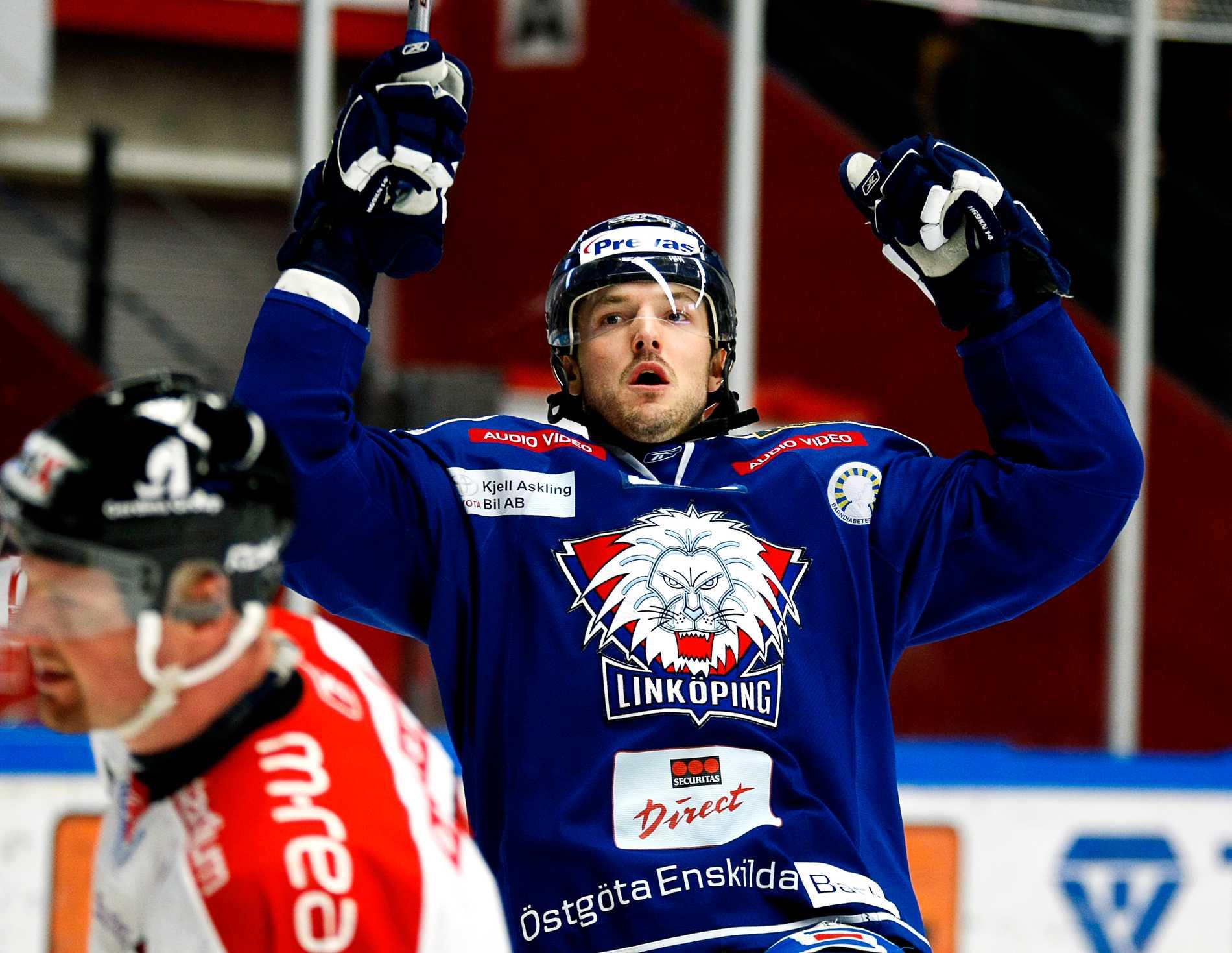 Niklas Persson jublar.