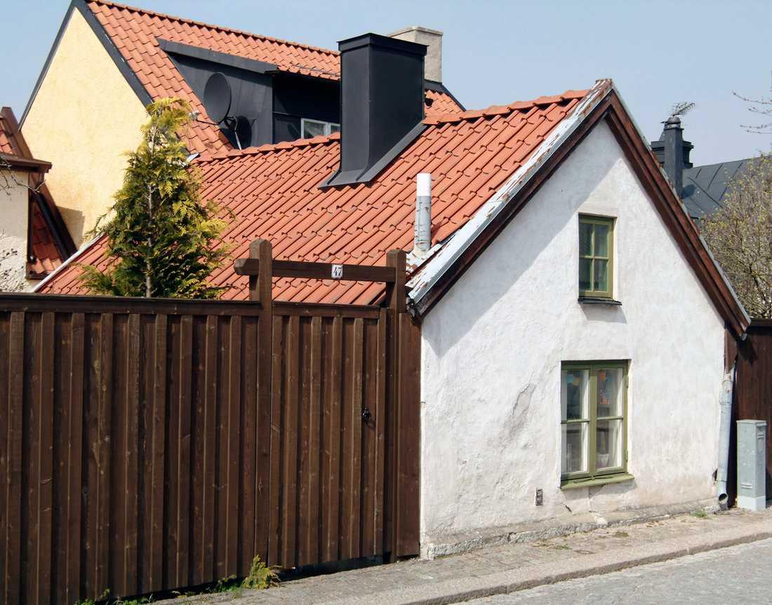 Rekorddyrt – igen Nu säljer Carin Götblad sitt pyttelilla hus i Visby. Priset? Knappt tre miljoner för 19 kvadratmeter.