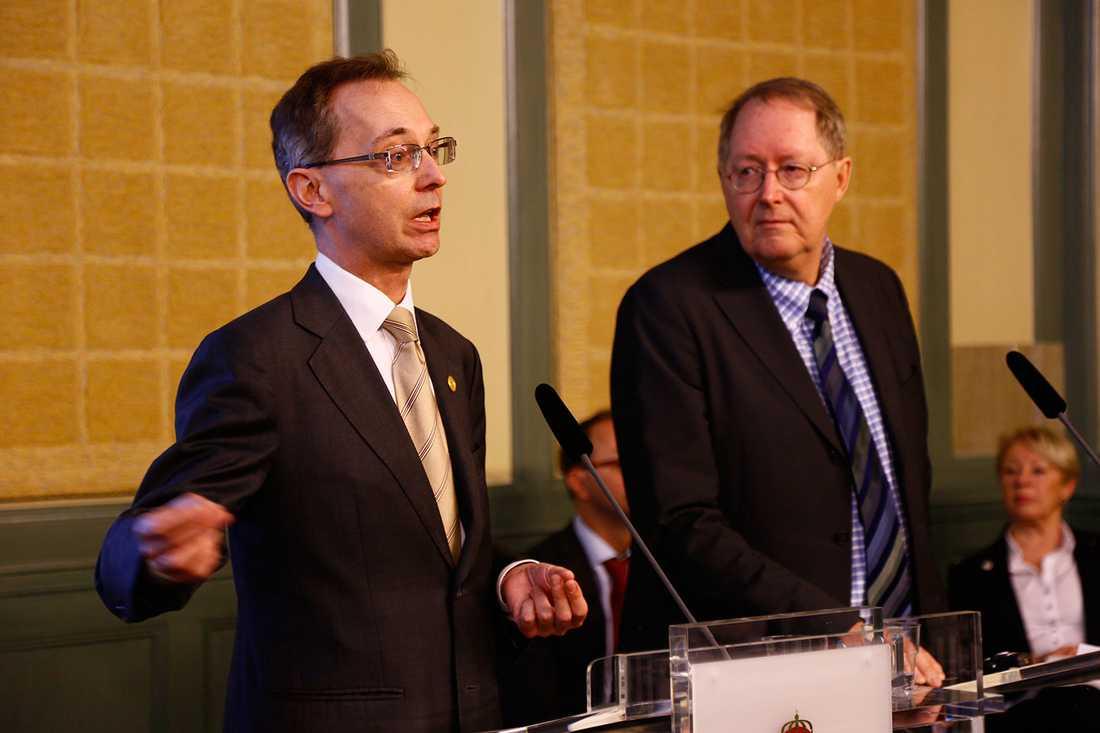 Gunnar Axén med huvudsekreteraren Ingemar Eriksson.