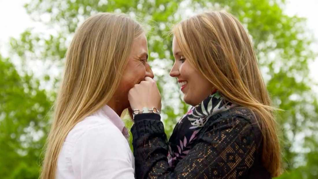 """Leonora Vilhelmsson och Louise Eriksson i """"Bonde söker fru""""."""
