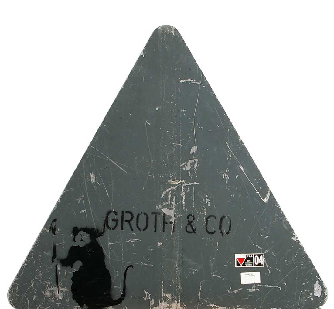 STOPPAD RÅTTA Försäljningen av gatuskylten med en sprejad Banksy-råtta stoppades i går av auktionsfirman Lauritz. Verket var värderat till 120 000 kronor.