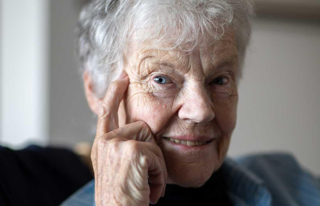 Finlandssvenska författaren Märta Tikkanen (född 1935) fick utstå mycket avsky för sina självutlämnande böcker på 1970-talet.