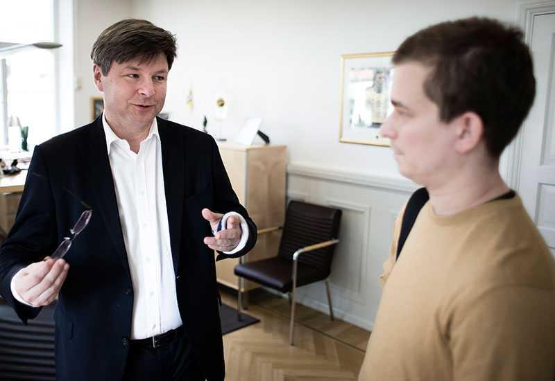 Elfsborgs ordförande Bosse Johansson i samspråk med Erik Niva.