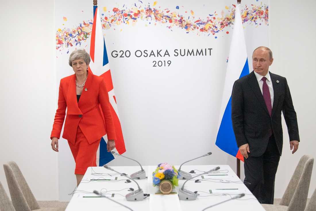 Rysslands president Vladimir Putin tycks få vänta på bättre relationer med Storbritannien.