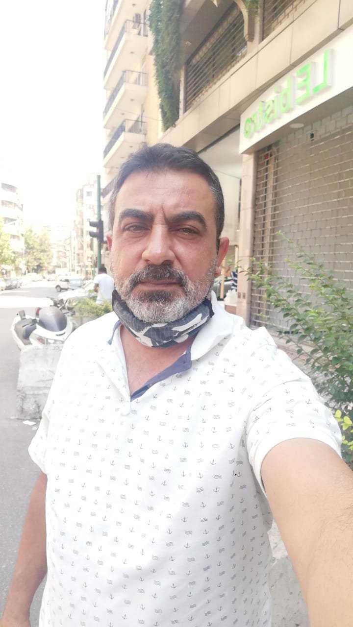 Taxiföraren Ali Chaito, 47, har knappt kunnat jobba på hela året. Efter explosionen blir det ännu svårare, säger han.