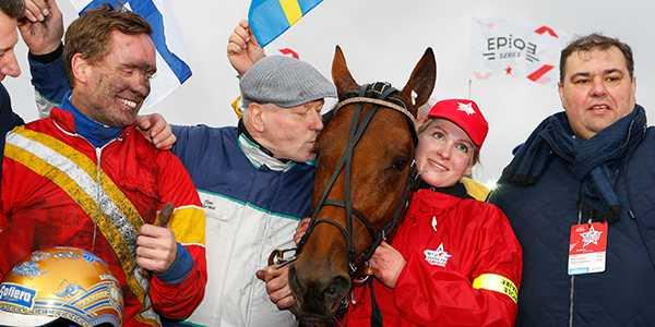 Björn Goop och Readly Express vid segern i Prix d'Amérique.
