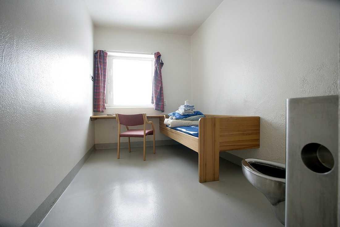 Så här ser det ut i en av  cellerna på anstalten.