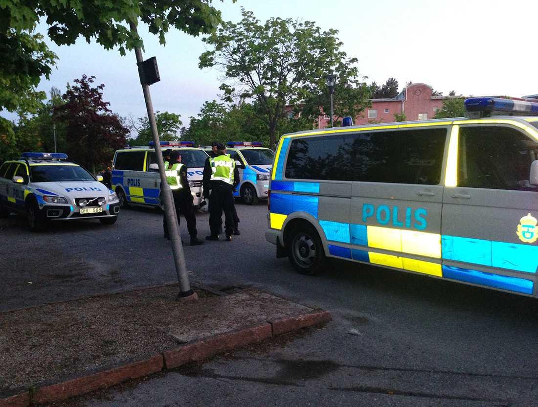 Polis har samlats i Örebro.