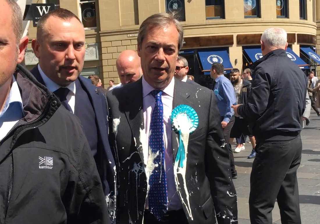 Brexitpartiets ledare Nigel Farage fick en milkshake kastad över sig under ett kampanjmöte i Newcastle i måndags. Arkivfoto.