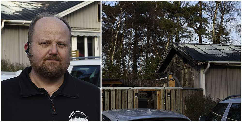 Roger Håkansson upptäckte att det brann i ett grannhus i Höllviken. Tillsammans med sin sambo lyckades han väcka familjen och få ut dem ur huset. Sedan sprutade han vatten på elden tills brandkåren kom.