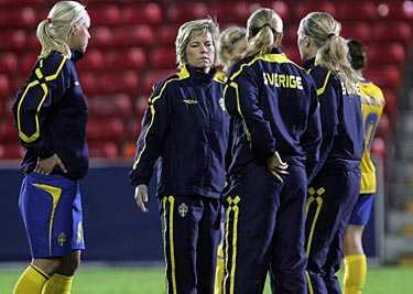 Pressat läge. Efter 0–0 mot Finland behöver Sverige seger mot värdnationen England på lördag för att gå vidare i EM-slutspelet.